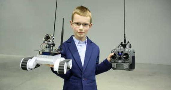 Przenośne laboratorium daktyloskopijne, latarka dla niewidomych czy sterowane ręcznie ramię robota - to tylko część z polskich wynalazków docenionych za granicą w 2013 roku, jakie można zobaczyć w warszawskim Centrum Nauki Kopernik.
