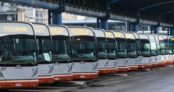 Poważne utrudnienia komunikacyjne w stolicy Belgii. Na ulice Brukseli wyjechało znacznie mniej niż zazwyczaj autobusów i tramwajów. Rzadziej też kursuje metro. Pracownicy przedsiębiorstwa transportowego STIB protestują przeciwko zbyt łagodnemu wyrokowi w związku ze śmiercią ich kolegi.