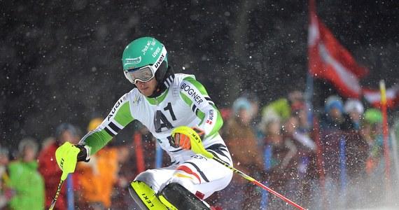 Niemiecki alpejczyk Felix Neureuther, jeden z kandydatów do medali w slalomie, tuż przed wylotem na igrzyska w Soczi miał wypadek samochodowy. Zamiast do Rosji na razie pojechał do Monachium na badania z podejrzeniem uszkodzonego odcinka szyjnego kręgosłupa.