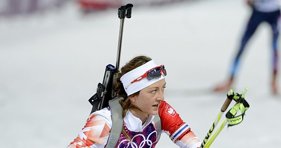 """Polskie biathlonistki nie wykorzystały kolejnej szansy na zdobycie medalu olimpijskiego w Soczi. W biegu na 15 kilometrów Krystyna Pałka zajęła dziesiąte miejsce. """"Pozostał mały niedosyt"""" - stwierdziła 12. na mecie Monika Hojnisz."""