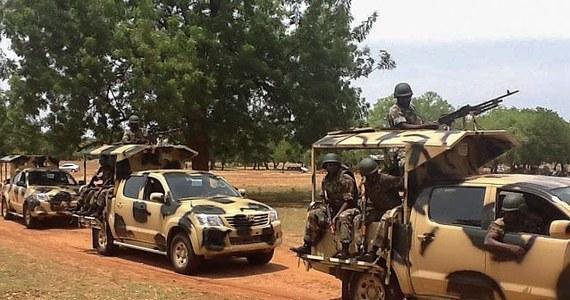 Ponad stu ludzi zginęło w sobotę w północno-wschodniej Nigerii w atakach przypisywanych islamistom powiązanym z ruchem Boko Haram - poinformował w niedzielę przedstawiciel nigeryjskich władz.