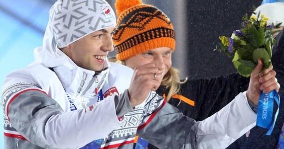 Polscy panczeniści i trenerzy są zniesmaczeni zachowaniem Holendra Koena Verweija, który wręcz obraził się po minimalnej porażce ze Zbigniewem Bródką. Różnica między nimi na dystansie 1500 m wyniosła trzy tysięczne sekundy.