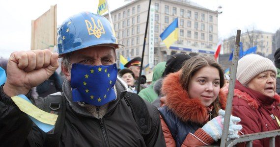 Liderzy ukraińskiej opozycji Witalij Kliczko i Arsenij Jaceniuk w Berlinie spotkają się z kanclerz Niemiec Angelą Merkel. Z niemiecką polityk chcą rozmawiać o powołaniu rządu koalicyjnego na Ukrainie.