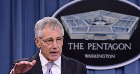 """Minister obrony USA Chuck Hagel nie może się od kilku dni skontaktować telefonicznie z ministerstwem obrony Ukrainy, ani z dowództwem ukraińskiej armii - poinformował rzecznik Pentagonu, admirał John Kirby. """"Nie udało nam się połączyć z nikim w ministerstwie obrony Ukrainy (...). To naprawdę bardzo niezwykłe"""" - powiedział Kirby i dodał, że szef Pentagonu nie ma zazwyczaj kłopotów z uzyskaniem połączenia z kimś ze swych zagranicznych partnerów."""