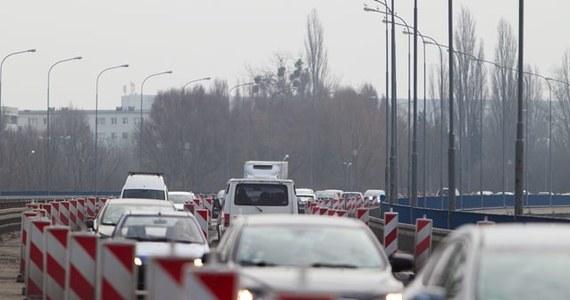 W ramach wartego 220 mln zł projektu Wodociągów Miejskich w Radomiu, rozpoczęły się prace na jednej z ważnych ulic miasta - Limanowskiego. W związku z tym wprowadzono objazd fragmentem drogi krajowej nr 12. Kierowcy muszą się spodziewać się utrudnień.