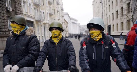 Sytuacja na polsko-ukraińskiej granicy jest stabilna; odprawy odbywają się normalnie; skala uchodźców jest minimalna - do tej pory pozytywnie rozpatrzono 30 wniosków w tej sprawie - poinformował minister spraw wewnętrznych Bartłomiej Sienkiewicz.
