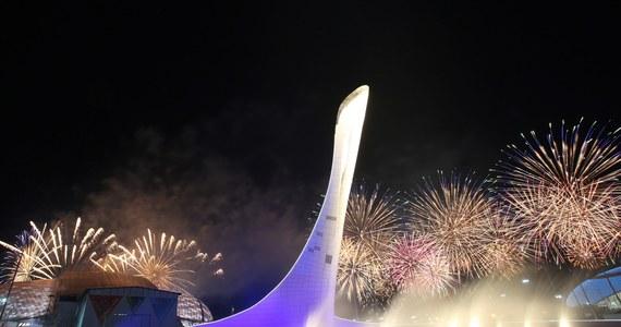Przewodniczący MKOl Thomas Bach zamknął 22. Zimowe Igrzyska Olimpijskie w Soczi. Na wybudowanym na wybrzeżu Morza Czarnego stadionie Fiszt zgasł znicz, który płonął od 7 lutego.