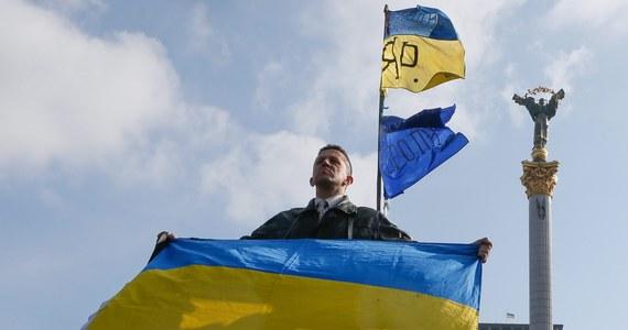 """Zdaniem Aleksandra Kwaśniewskiego, najlepszym kandydatem na premiera nowego ukraińskiego rządu jest Petro Poroszenko. """"To polityk pragmatyczny i umiarkowany"""" - ocenia były prezydent. Jego zdaniem, jednym z najważniejszych zadań, stojących przed nowym rządem jest przygotowanie wyborów prezydenckich. Od dziś Centralna Komisja Wyborcza w Kijowie rejestruje już kandydatów na to stanowisko."""