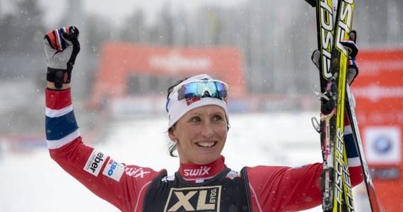 Norweżka Marit Bjoergen wygrała bieg na 10 km techniką dowolną w zawodach narciarskiego Pucharu Świata w fińskim Lahti. Trzykrotna złota medalistka igrzysk w Soczi wyprzedziła o 26,9 s Szwedkę Charlotte Kallę oraz o 27,6 s swoją rodaczkę Therese Johaug. Polka Sylwia Jaśkowiec zajęła 20. miejsce, ze stratą ponad półtorej minuty. Kornelia Kubińska była 42., a Paulina Maciuszek - 50.