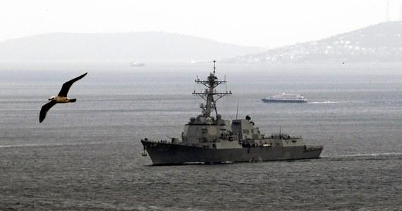 Amerykański niszczyciel USS Truxtun należący do zespołu okrętów skupionego wokół lotniskowca atomowego USS George H.W. Bush. wpłynął na Morze Czarne. Ma wziąć udział we wspólnych manewrach z jednostkami bułgarskimi i rumuńskimi.