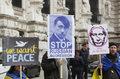 Niemcy: Łańcuch ludzki w Berlinie na znak solidarności z Ukrainą