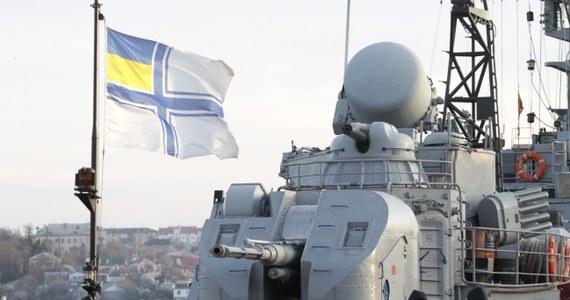 Obecny kryzys na Ukrainie może doprowadzić do III wojny światowej - ostrzega w rozmowie z PAP były doradca prezydenta Rosji Andriej Iłłarionow. Jego zdaniem na sankcje finansowe jest za późno, a Władimira Putina powstrzymać może tylko reakcja wojskowa Zachodu.