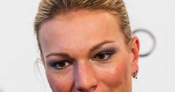 """Trzykrotna mistrzyni olimpijska w narciarstwie alpejskim Maria Hoefl-Riesch poinformowała o zakończeniu sportowej kariery. 29-letnia Niemka ogłosiła swą decyzję na spotkaniu z dziennikarzami w Monachium. Jak skomentowała agencja dpa, narciarka """"wygrała wszystko, co było do wygrania""""."""