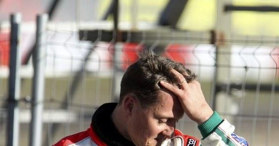"""Były kierowca Formuły 1 Michael Schumacher, który od 84 dni przebywa w stanie śpiączki farmakologicznej, stracił 25 procent masy ciała czyli blisko 20 kg. Niemiec waży zaledwie 56 kg - poinformował hiszpański dziennik """"Marca"""" powołując się na źródło nieoficjalne."""