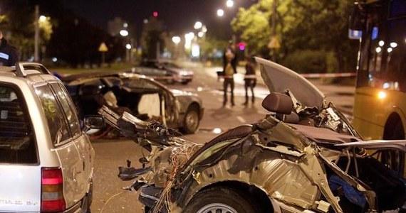 Zupełnie nowe Tragedia w Bydgoszczy. BMW rozpadło się na dwie części IY58