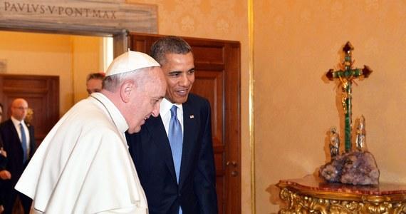 Papież Franciszek przyjął na audiencji w Watykanie prezydenta USA Baracka Obamę. To pierwsze, bardzo oczekiwane przez amerykańskiego przywódcę spotkanie z papieżem. Obama wypowiada się o Franciszku z wielkim uznaniem i podziwem.