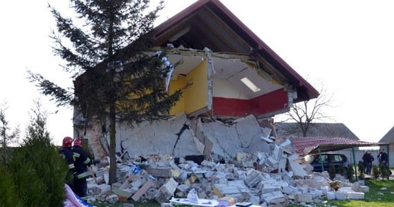 We wsi Kadłub w woj. łódzkim doszło do wybuchu butli z gazem. Ranny został 60-letni mężczyzna. Budynek, w którym przebywał został zniszczony. Informację z Gorącej Linii potwierdziła reporterka RMF FM Agnieszka Wyderka.