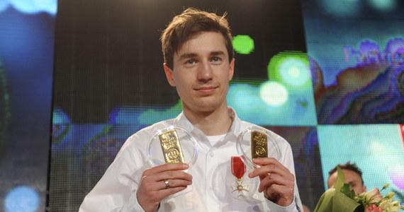 Kamil Stoch został w marcu Sportowcem Miesiąca RMF FM i portalu Interia.pl! Dwukrotny mistrz olimpijski i zdobywca Kryształowej Kuli za sezon 2013/14 zdobył w plebiscycie blisko 67 procent Waszych głosów. Stoch pokonał między innymi Kamilę Lićwinko i Agnieszkę Radwańską.