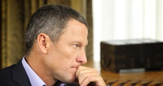 """Były amerykański kolarz Lance Armstrong, który w ubiegłym roku przyznał się do stosowania dopingu, został oficjalnie pozbawiony najwyższego francuskiego odznaczenia państwowego - Legii Honorowej. Dekret o """"cofnięciu orderu"""", bo taką nadzwyczajną procedurę stosuje się w stosunku do cudzoziemców, podpisał prezydent Francois Hollande."""