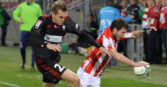 Piłkarze Cracovii, którzy w poprzednich meczach zaledwie zremisowali z dwiema najsłabszymi ekipami ekstraklasy (Podbeskidziem i Widzewem), w piątek zdołali zdobyć trzy punkty. Podopieczni Wojciecha Stawowego pokonali u siebie Górnika Zabrze 2:0.