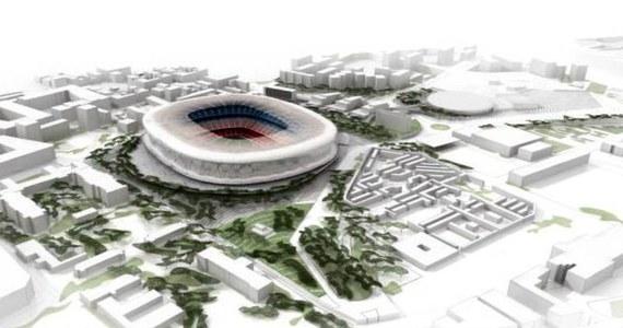 Członkowie piłkarskiego klubu FC Barcelona opowiedzieli się w referendum za radykalną przebudową stadionu Camp Nou. Ma ona kosztować 600 milionów euro.