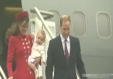 Prawnuk królowej Elżbiety II po raz pierwszy z zagraniczną wizytą