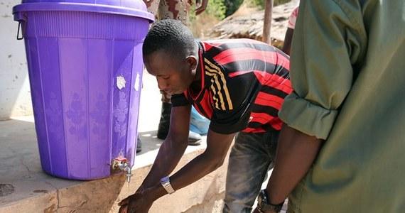Najgroźniejsza w historii epidemia śmiercionośnego wirusa Ebola może trwać wiele miesięcy i wymknąć się spod jakiejkolwiek kontroli - alarmuje organizacja Lekarze Bez Granic i Światowa Organizacja Zdrowia (WHO). Według ekspertów w Afryce Zachodniej zarażonych może być już ponad pół tysiąca osób.