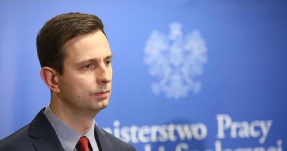 """""""Propozycja pracodawców o zatrudnieniu na czas określony na maks. 48 miesięcy to jest dobre podanie ręki związkom zawodowym do powrotu do Komisji Trójstronnej. Warto tej ręki nie odrzucić"""" - mówił w Ropczycach (Podkarpackie) Władysław Kosiniak-Kamysz."""