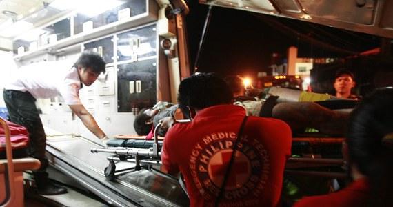 Co najmniej 5 osób zginęło, a 15 zostało rannych w wypadku autobusowym na wschodzie Filipin. Autokar najechał na ciężarówkę na drodze w prowincji Camarines Sur - poinformowała miejscowa policja.