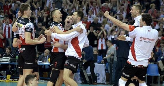 Piąty mecz półfinałowy: Asseco Resovia Rzeszów - ZAKSA Kędzierzyn-Koźle 3:1 (25:19, 17:25, 25:22, 25:21).