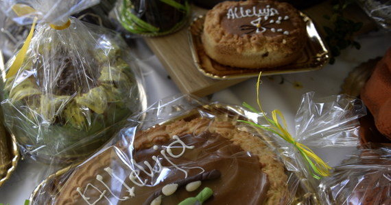 Już wiesz, że nie udał ci się mazurek? Spróbowałeś kupnego ciasta i ci nie smakuje? Mamy na to radę w postaci alternatywnego przepisu do szybkiego wykonania. Zdradziła go naszej reporterce pracująca w jednej z łódzkich cukierni pani Justyna.