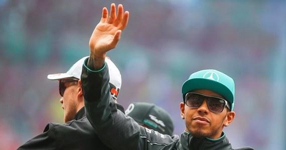 Lewis Hamilton z teamu Mercedes GP wygrał wyścig o Grand Prix Chin, czwartą rundę mistrzostw świata Formuły 1. Brytyjczyk triumfował na torze w Szanghaju po raz trzeci w karierze.