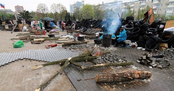 """Prorosyjscy separatyści w ukraińskim Słowiańsku zatrzymali i wywieźli w nieznane miejsce aktywistkę Majdanu, liderkę tzw. """"żeńskiej sotni"""" Irmę Krat. Wprowadzili również w mieście godzinę policyjną."""