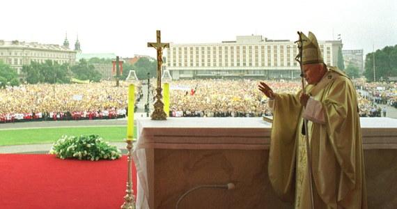 Polska była krajem najczęściej odwiedzanym przez Jana Pawła II. W czasie prawie 26-letniego pontyfikatu papież odwiedził ojczyznę dziewięć razy.