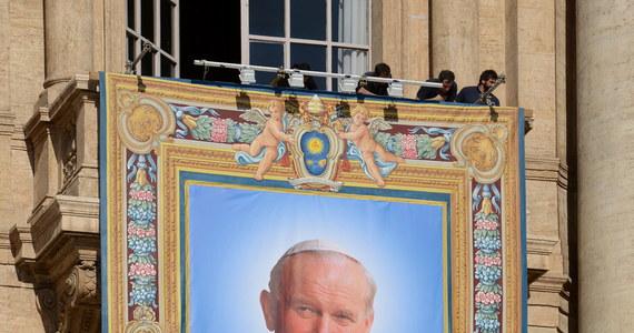 W Krakowie i w Wadowicach w szczególny sposób będzie można uczestniczyć w uroczystościach związanych z kanonizacją papieży Jana Pawła II i Jana XXIII. W tych miastach przygotowano plan koncertów, mszy świętych i spotkań. Poniżej znajdziecie wszystkie szczegóły obchodów.