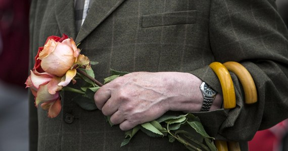 Pielgrzymi z wielu krajów wyjechali z Rzymu z wyjątkowymi pamiątkami z kanonizacji Jana Pawła II i Jana XXIII. Zabrali ze sobą róże z Ekwadoru, którymi udekorowany był plac Świętego Piotra podczas niedzielnej mszy.