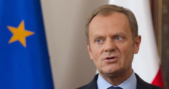 """""""Będziemy się starali eliminować nieuczciwy import, przestrzegać norm jakościowych, aby węgiel polski nie był ofiarą nieuczciwych czy dwuznacznych operacji na węglu importowanym"""" - stwierdził Donald Tusk po rozmowach na szczycie węglowym w Katowicach. """"Węgiel pozostanie podstawą bezpieczeństwa energetycznego, natomiast górnictwo to wielki problem społeczny, dziesiątki tysięcy miejsc pracy"""" - podkreślał."""