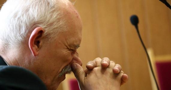 Prezes Kongresu Nowej Prawicy Janusz Korwin-Mikke odwołał się we wtorek do sądu apelacyjnego od orzeczenia sądu pierwszej instancji, który orzekł wczoraj, że premier Donald Tusk nie musi go przepraszać. Zdaniem Korwin-Mikkego Tusk naruszył jego dobra osobiste.