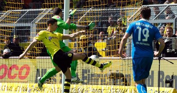 W swoim ostatnim ligowym meczu w barwach Borussii Dortmund Robert Lewandowski powalczy z Chorwatem Mario Mandzukicem z Bayernu Monachium o tytuł najskuteczniejszego piłkarza niemieckiej ekstraklasy. Obaj zawodnicy mają po 18 trafień.