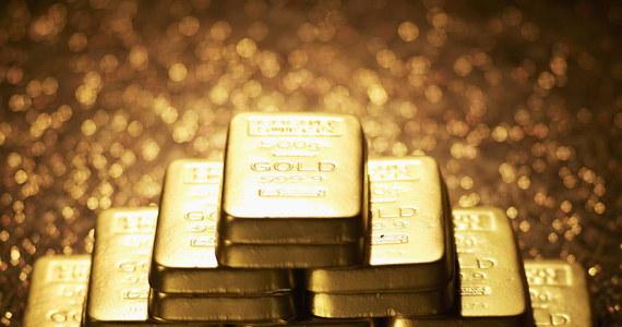 Nie udała się pierwsza próba sprzedaży złota i srebra kolekcjonerskiego o wartości około 316 tys. zł po Amber Gold. Syndyk poinformował, że w przetargu wpłynęła jedna oferta, ale ze względu zbyt niską cenę została odrzucona.