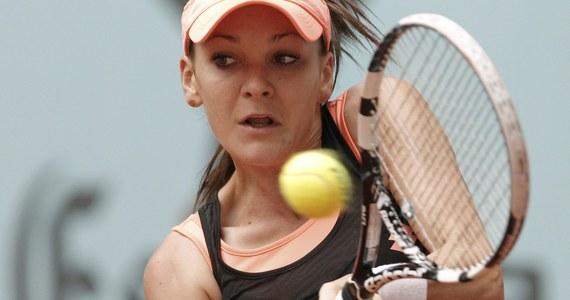 Agnieszka Radwańska przegrała z Marią Szarapową w dwóch setach w półfinale turnieju WTA Tour w Madrycie (pula nagród 4,24 mln dolarów). Przeciwniczką Rosjanki w finale będzie Rumunka Simona Halep.
