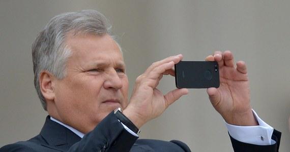 Aleksander Kwaśniewski potwierdza, że jest w radzie doradców ukraińskiego koncernu gazowego. Informację tę ujawnił amerykański portal Buzzfeed pisząc, że były prezydent Polski zasiada w tej radzie m. in. razem z synem wiceprezydenta USA Joe Bidena.