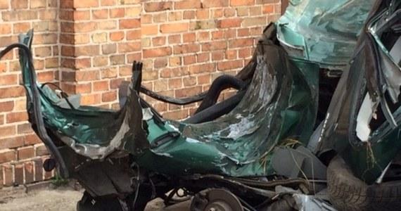 Mateusz M., 16-letni sprawca tragicznego wypadku w Klamrach w województwie kujawsko-pomorskim, wyszedł z grudziądzkiego szpitala. W nocy z 12 na 13 kwietnia w wypadku zginęło 7 nastolatków. Za kierownicą siedział pijany 16-latek.
