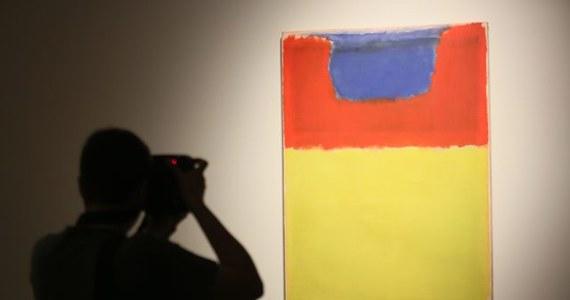 Obraz Marka Rothko, zniszczony przed dwoma laty przez Polaka, wrócił do galerii Tate Modern w Londynie. Konserwatorom udało się osunąć farbę graffiti bez naruszenia powierzchni płótna.