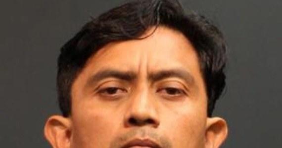 Kalifornijska prokuratura przedstawiła zarzuty 41-letniemu Isidro Garcii, podejrzanemu o porwanie przed 10 laty 15-letniej wówczas córki swojej przyjaciółki. Zarzutów jest pięć. Dotyczą porwania i gwałtów.