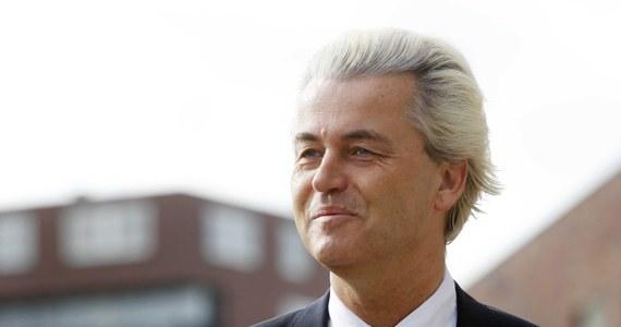 Skrajnie prawicowa, znana z oskarżeń pod adresem Polaków Partia Wolności Geerta Wildersa zajęła dopiero czwarte miejsce w wyborach do Parlamentu Europejskiego w Holandii - wynika z sondażu exit poll. Na czele są partie proeuropejskie: Demokraci 66 i chrześcijańscy demokraci.