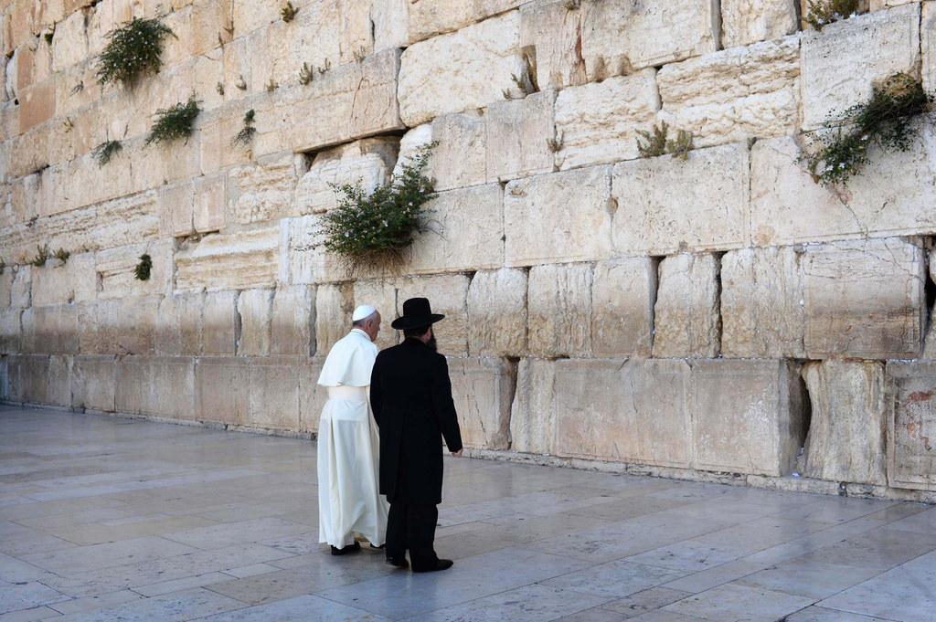 EPA/KOBI GIDEON / ISRAELI GOVERNMENT ISRAELI SUBS MUST CREDIT GPO