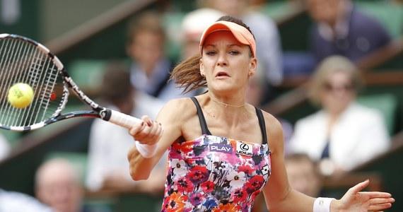 """Agnieszka Radwańska, która odpadła z wielkoszlemowego Roland Garros w trzeciej rundzie, przyznała, że miała szanse, by odwrócić losy meczu z Chorwatką Ajlą Tomljanovic. """"Nie potrafiłam ich wykorzystać"""" - oceniła polska tenisistka po niespodziewanej porażce."""