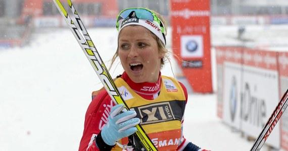 Zwyciężczyni ostatniej edycji Pucharu Świata w biegach narciarskich Norweżka Therese Johaug zajmuje się również projektowaniem ubrań i akcesoriów. W ubiegłym sezonie kwota uzyskana ze sprzedaży firmowanych przez nią rękawiczek przekroczyła 1,5 miliona euro. Na następny biegaczka szykuje 300 tysięcy par.