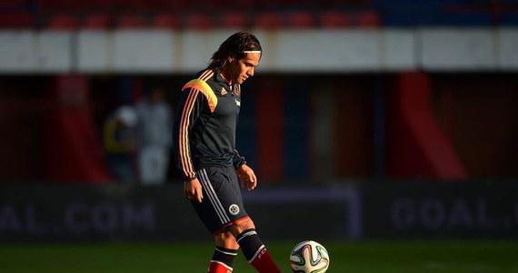 Wart 60 milionów euro kolumbijski napastnik Radamel Falcao otwiera listę znanych piłkarzy, których z powodu kontuzji zabraknie na mistrzostwach świata w Brazylii. Z wielkich nieobecnych można by stworzyć mocną jedenastkę. Oprócz Falcao znaleźliby się w niej też m.in. Theo Walcott, Riccardo Montolivo, Rafael Van der Vaart czy Thiago Alcantara. Na tydzień przed mundialem dołączył do nich również Franck Ribery.